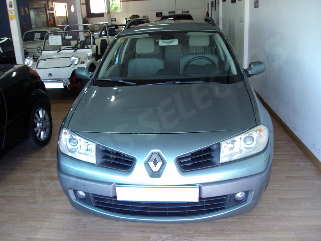 renault megane grand tour 1 5 dci ocasi n madrid autos selectos. Black Bedroom Furniture Sets. Home Design Ideas